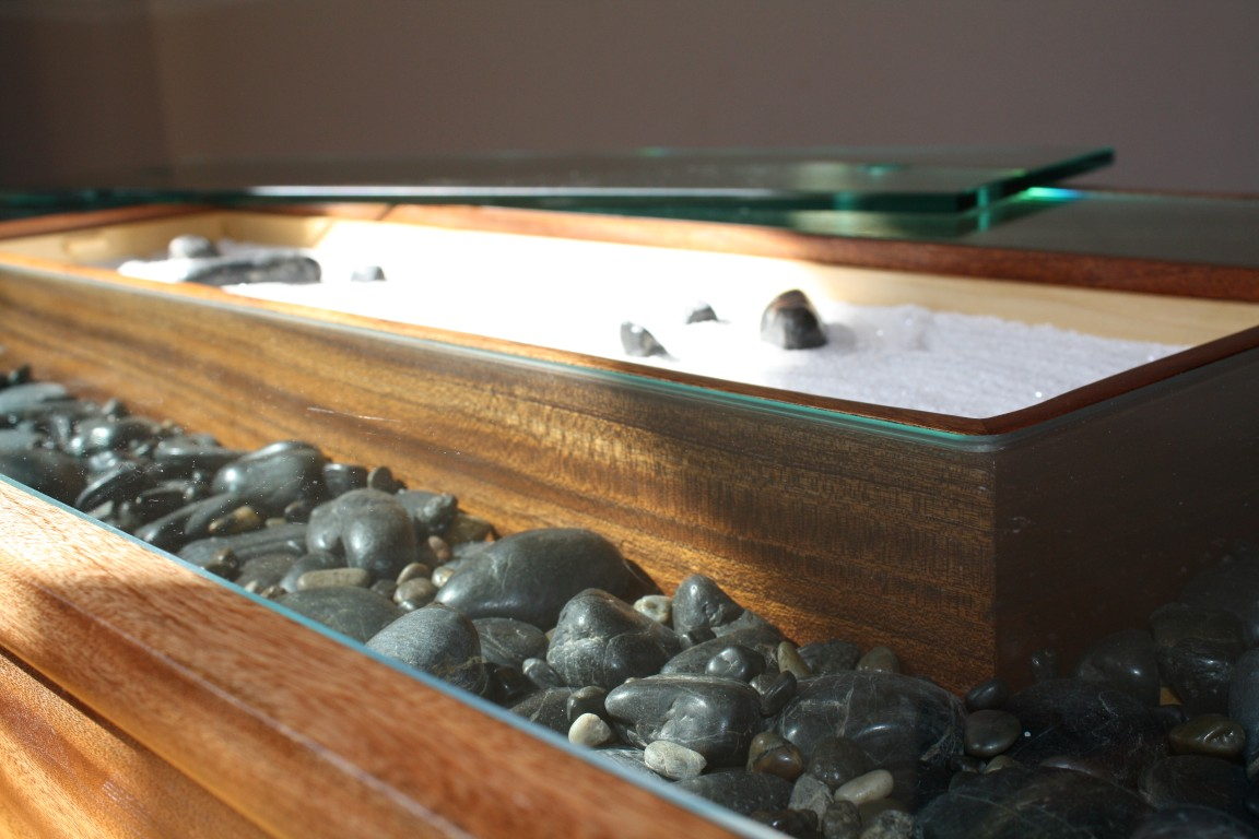 Zen garden coffee table 19 stone and sand the fine art for Table zen garden