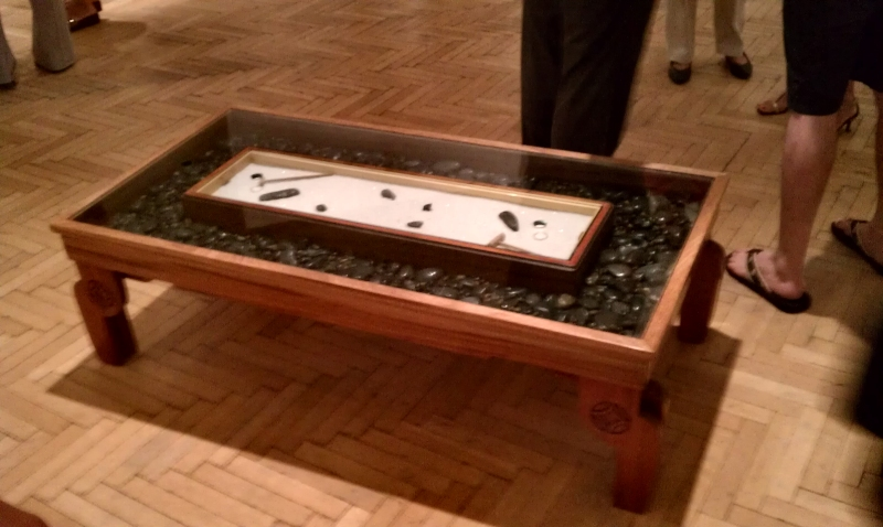 Zen garden coffee table at corcoran gallery 31 01 the for Table zen garden
